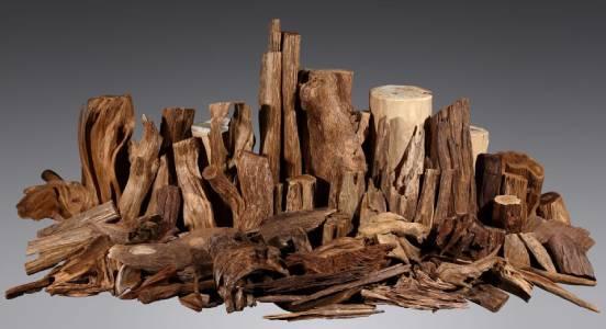 Vòng tay trầm hương làm từ gỗ trầm hương